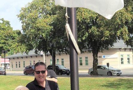 City of Cornwall raises United Way/Centraide SD&G flag