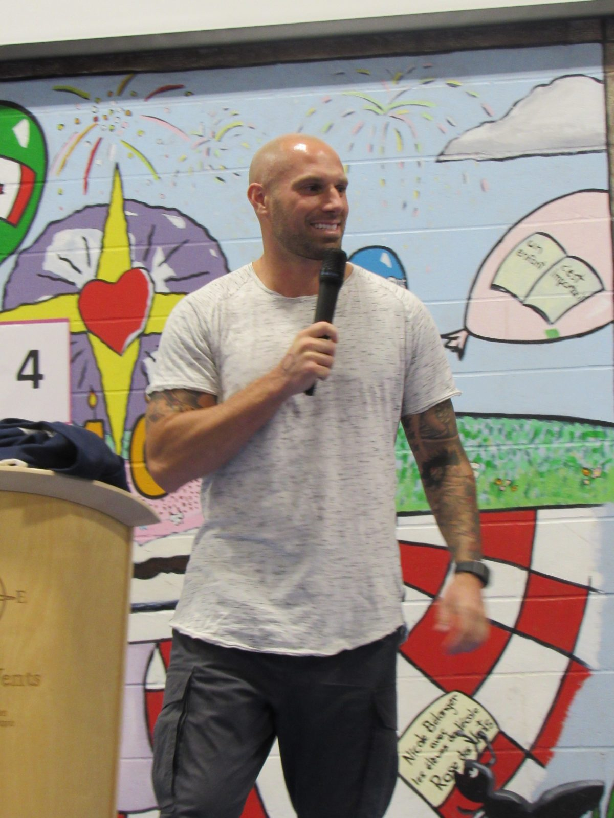 CFL star visits Rose des Vents