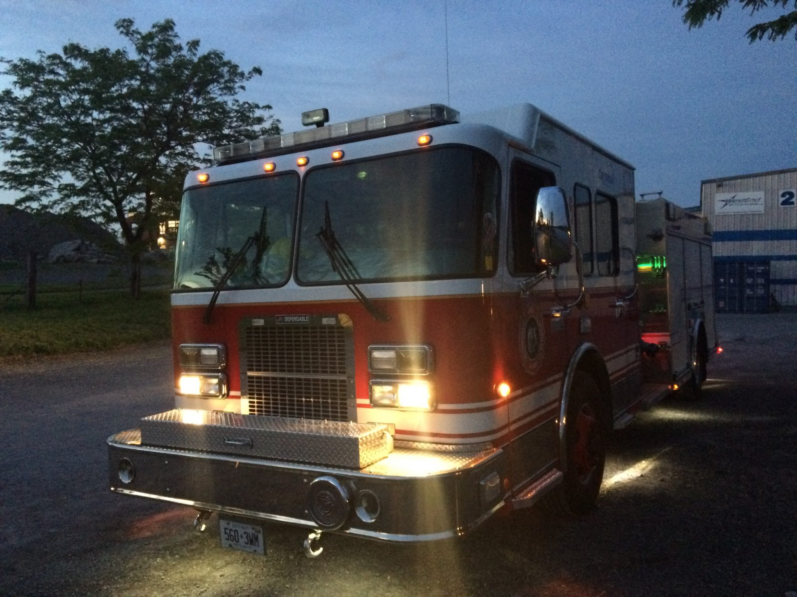 Cornwall firefighters rescue late night boater on St. Lawrence River