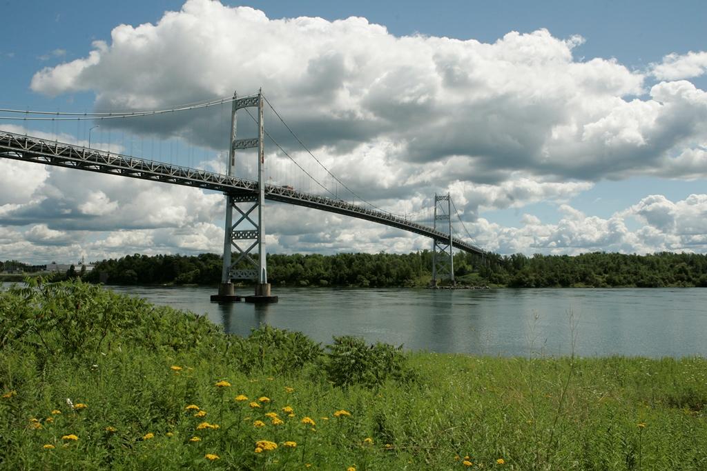 A pain in the asphalt: South span of Seaway bridge closed for repairs