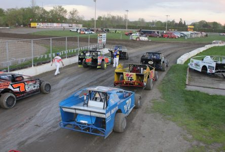 Steve Poirier dominates the Sprint Car challenge at Cornwall Motor Speedway