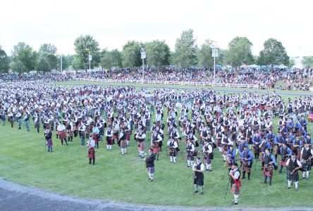 London, ON bagpiper dies at Highland Games