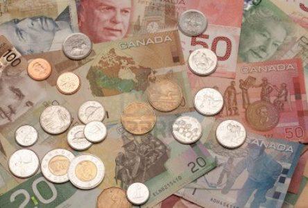 Eastern Ontario mayors want public sector salary awards slashed