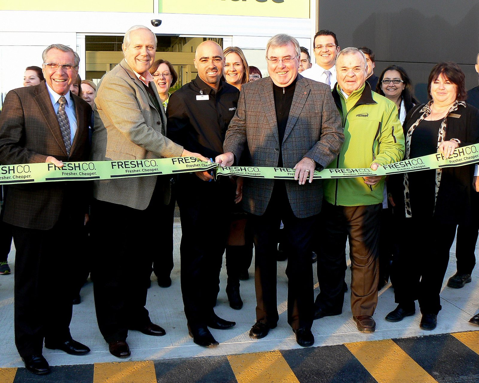 New Cornwall FreshCo officially opens its doors