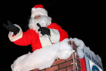 Mac's Musings: Bible thumpers want Santa banned