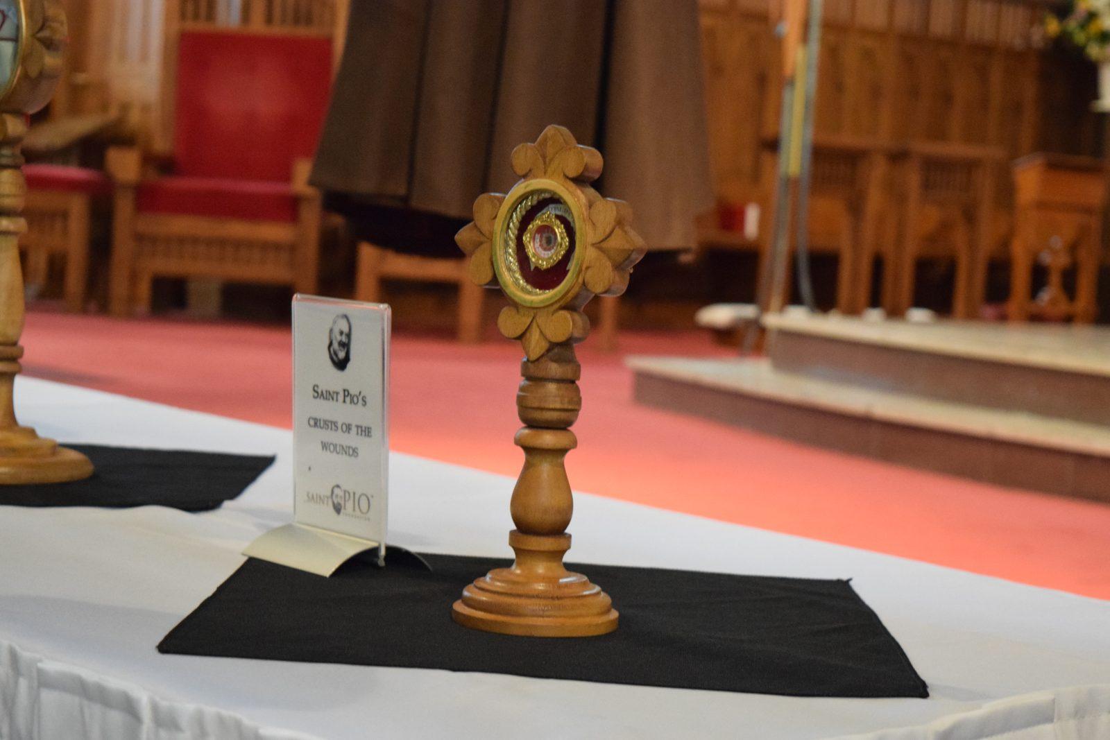 Les reliques de Saint Pio sont vénérées à Cornwall