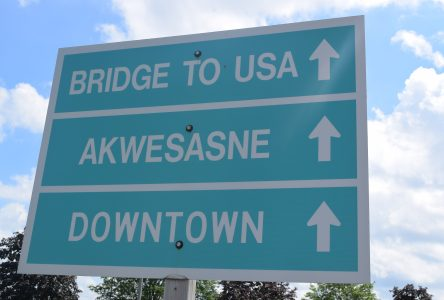 Shé:kon! Mohawk greeting to be added to Cornwall welcome signs
