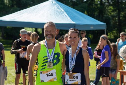 Runners follow Raisin River at footrace