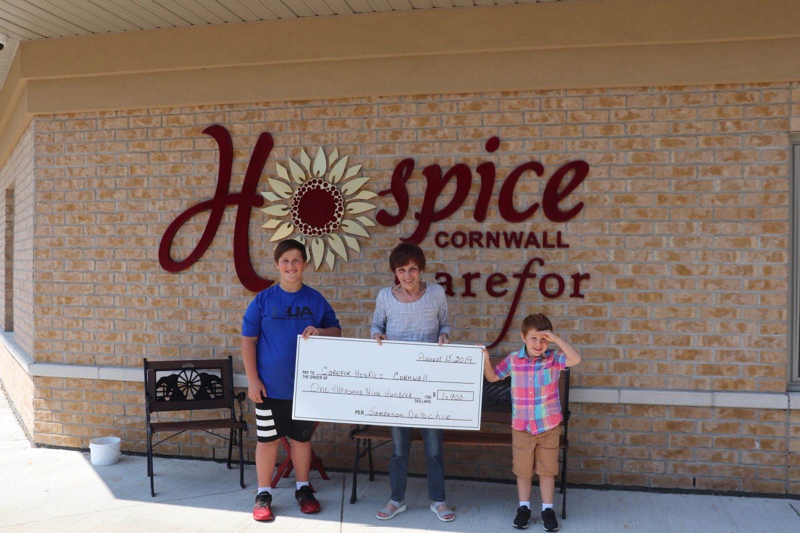 Lemonade stand raises $1,900 for Hospice