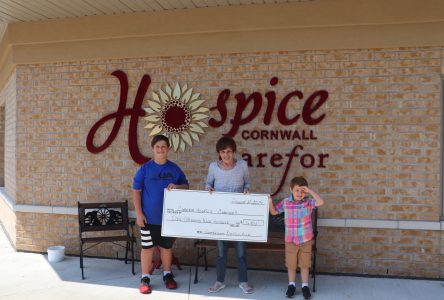 Lemonade stand raises $1,900 for Hospice
