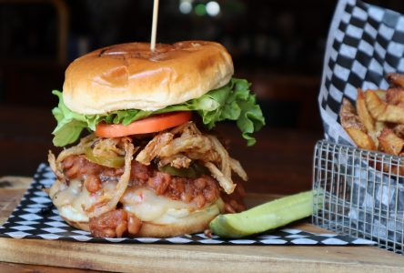 Jet Set Pub - Taste Tour Burger Edition