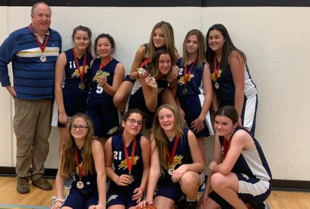 Cornwall Lions Bantam Girls Take Gold in Belleville