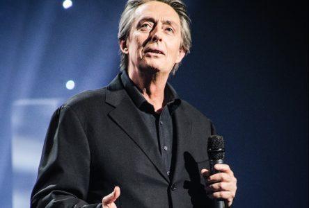 Comedian Derek Edwards performing at Aultsville Nov. 14