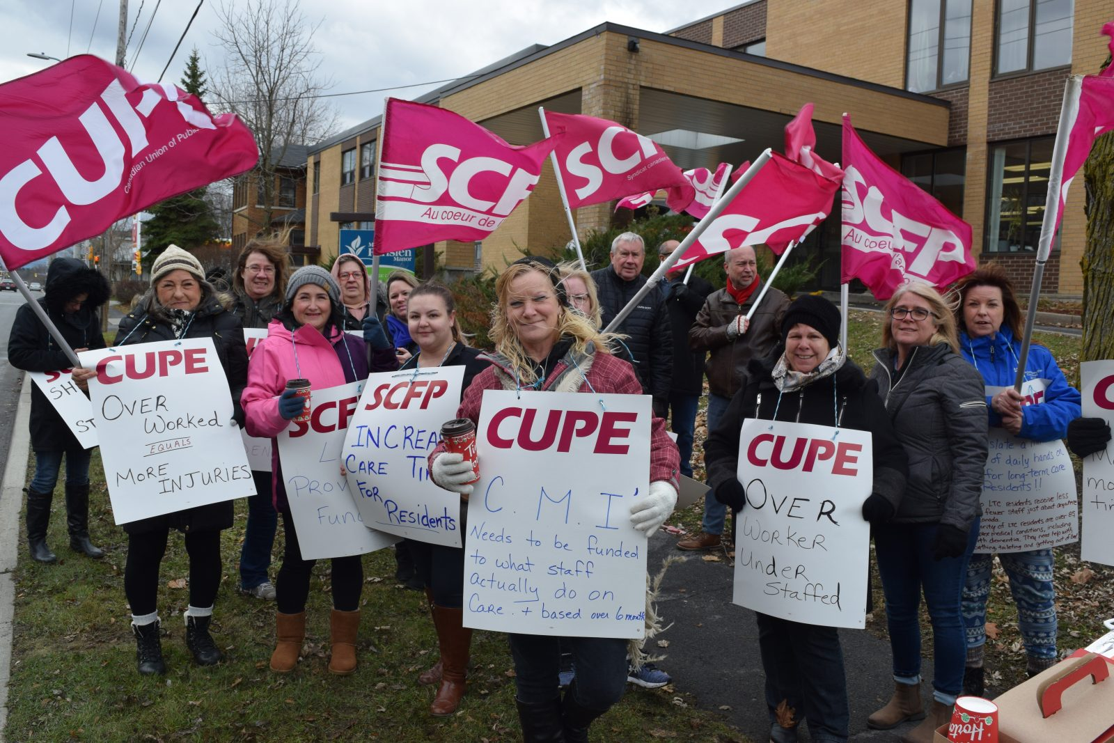 CUPE pickets at Parisien Manor for more support and resources