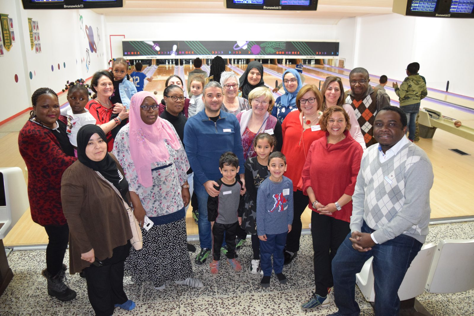 ACFO welcomes new French Canadians with bowling