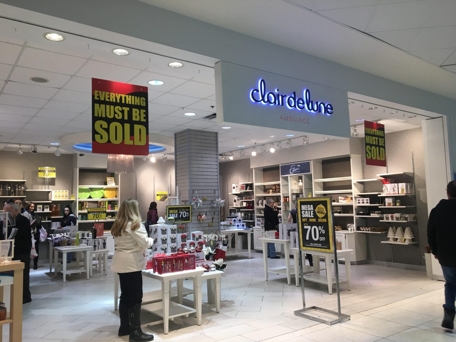 Cornwall Square to lose third store in two months