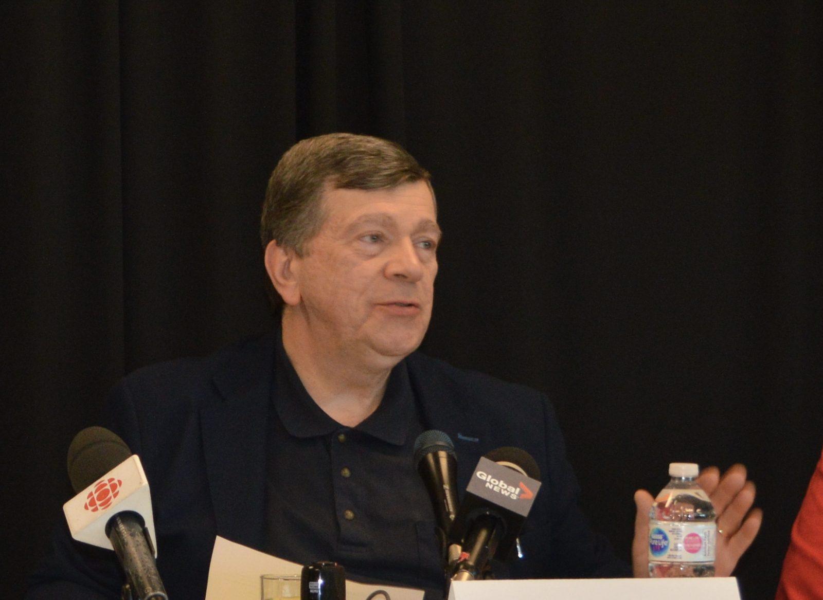 Dr. Paul Roumeliotis updates Cornwall council on quarantine