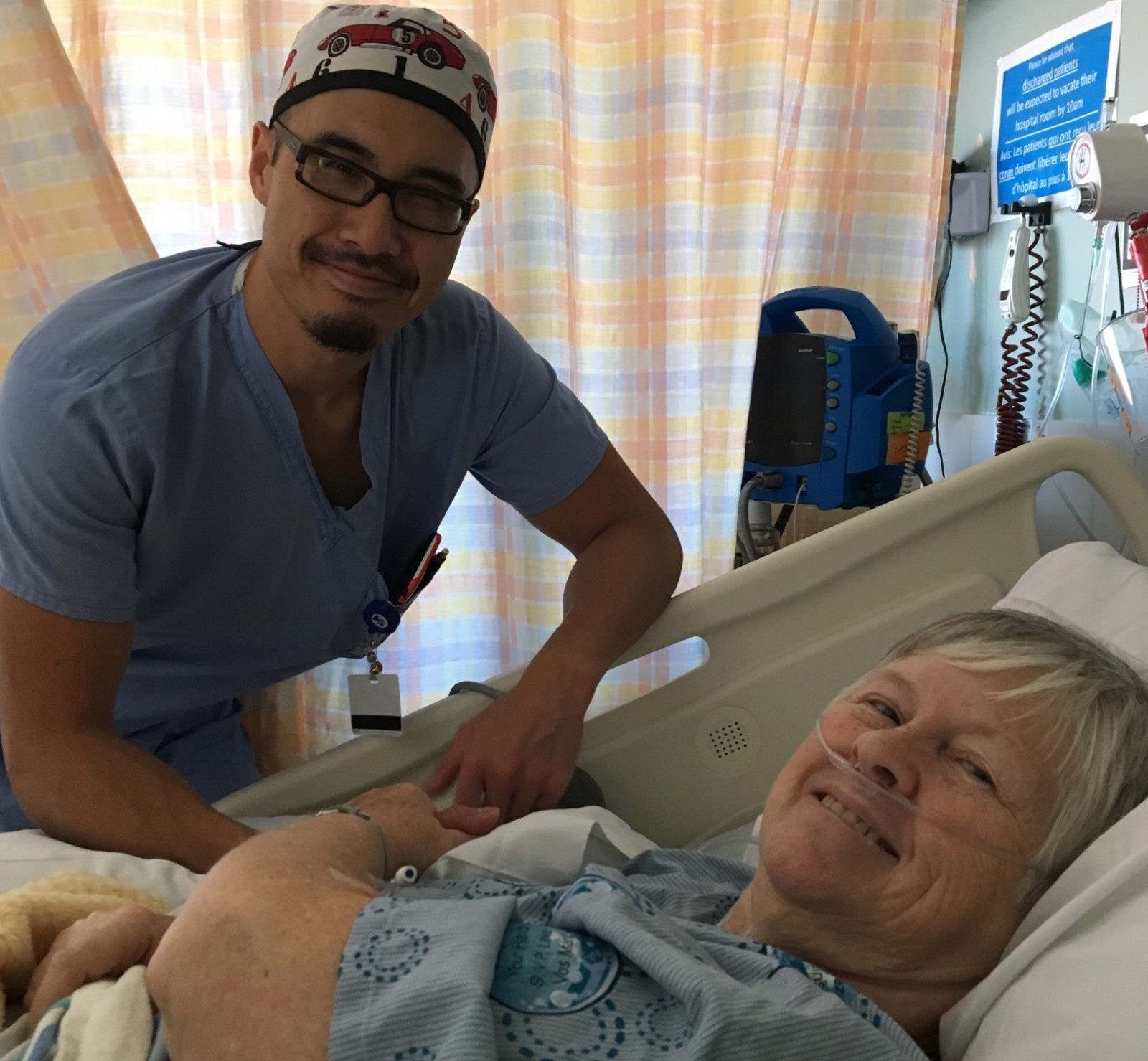Rescued refugee treats patient who supported refugees