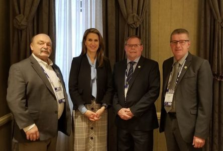 Local politicians discuss Hwy 138 with Transportation Minister