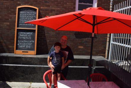 Caisse Desjardins Ontario supporting pop up patios