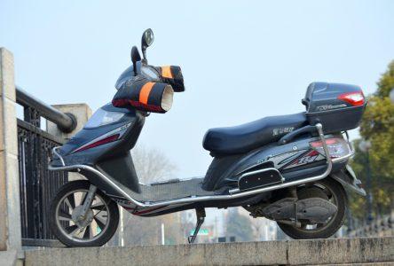Man arrested in possession of stolen e-bike