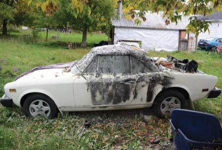 Vintage vehicle burned in North Glengarry
