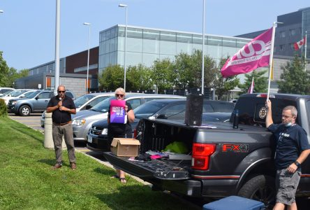 CCH employees rally in front of hospital Monday