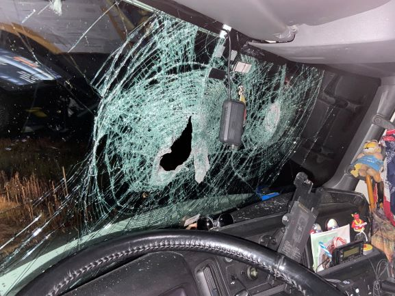 OPP investigating after rocks thrown at cars from Hwy 401 overpass